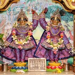 Gaura Arati - ISKCON-London Radha Krishna Temple Soho Street - 15/04/2017 - IMG_0716 (DavidC Photography 2) Tags: 10 soho street london w1d 3dl iskconlondon radhakrishna radha krishna temple hare harekrishna krsna mandir england uk iskcon internationalsocietyforkrishnaconsciousness international society for consciousness saturday gaura arati darshan gauranitai