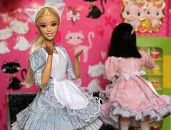 Barbie cat-cafe (Olga Fairys) Tags: barbie barbie2016 madetomove catcafe catcake rement miniature dolls fashionistas mattel dollphotogallery dollphotography