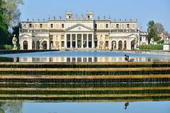 Villa Pisani (♥danars♥) Tags: giardino anatre riflessi fontana statue architettura padova primavera stra villapisani villevenete acqua