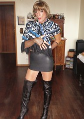 Karen (Karen Maris) Tags: tranny trannie transgender transsexual transvestite tgirl tgurl tg crossdress crossdresser karen legs boots pantyhose tights scarf blonde heels highheels