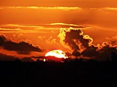 Puesta de sol (Antonio Chacon) Tags: andalucia atardecer marbella málaga costadelsol cielo españa spain sunset puestadesol paisaje nubes nature naturaleza sol