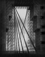 Willemsbrug (Rotterdam) (Kijkdan) Tags: monochrome blackandwhite willemsbrug rotterdam fujifilm xpro2 16mm
