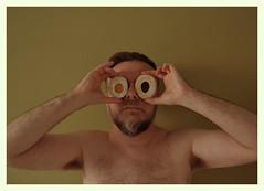 Alessandro, magno! (Colombaie) Tags: humor io dolci mangiare pasqua dopo feste accumulo grassi tanti residui ritratto uomo maschio occhi dolce occhiodibue alessandromagno diversi colori marmellata autoironia