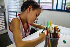 Elisângela Leite_13 (REDES DA MARÉ) Tags: américa brasil complexodamaré doglaslopes favela latina maré marésemfronteiras novamaré ong redesdamaré riodejaneiro aula criança desenho serigrafia