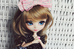 Hyemi  (~~ Oshua~~) Tags: blue eyes doll photographie dress robe yeux collection curly corps wig blonde pullip luts nanette custo poupe bleus boucl obitsu hyemi oshua