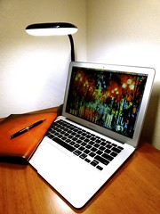 Macbook Air 2013 News May Lumiy LEDs LED Lamp1060859 (stanfordgreentrees) Tags: pro macbook macbookpro macbookair macbookproretina