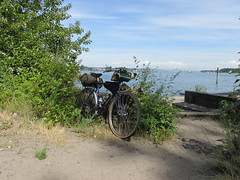 Hobo Bike. (urbanadventureleaguepdx) Tags: bridgestone columbiariver willametteriver kelleypointpark xo3