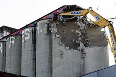 jaws at the silos (nickyxmakes) Tags: collingwood destruction demolition jaws silos melbs yorkshirebrewery nxm
