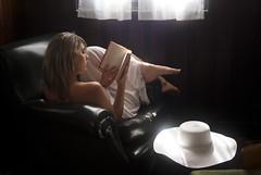 The girl who reads (the bbp) Tags: white girl hat reading book casa libro read inside bianco interno cappello ragazza leggere thebbp
