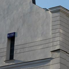 Tu montes, chri ? (veronix1) Tags: paris france hotel frankreich francia parigi franta albergo htel veronix1 okdeshom