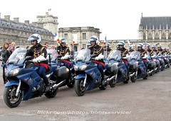 "IMG_5809 1 (bootsservice) Tags: paris army uniform boots motorcycles motorbike gloves moto motorcycle yamaha uniforms weston bottes motard vincennes motos armée uniforme gendarme motorcyclists motards gendarmerie uniformes gants gendarmes ""garde républicaine"" ""ridingboots"""