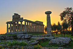 Paestum. Italy. (io_nicola) Tags: old trip travel vacation italy holiday art museum architecture canon photography photo europe italia campania photos pompeii 1001nights archeology pompei 1001nightsmagiccity ringexcellence dblringexcellence flickrbronzetrophygroup tplringexcellence vpu1 eltringexcellence vpu2 vpu3 vpu4 vpu5 vpu6 vpu7 vpu8 vpu9 vpu10 infinitexposure