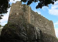 Dunstaffnage Castle (2) (arjayempee) Tags: castle scotland argyll oban campbell macdougall dalriada dunstaffnagecastle dalriata av6a2342crop dunmonaidh dunstafrnis