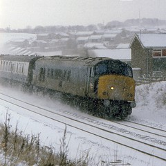 Half Cut in the Snow (SydPix) Tags: winter snow cold ice durham diesel freezing peak trains locomotive railways sulzer ecml 46031 newtonhall class46 sydyoung