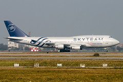 China Airlines, B747-400,  B-18206 (fish_69) Tags: chinaairlines b747400 b18206 specialcs skyteamlivery takeofffromrctprwy05l