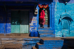 Home, Jodhpur (Marji Lang Photography) Tags: life street door travel blue light people woman india house building home colors composition photography colorful couleurs streetphotography d