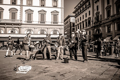 The Old Florence Pixie band (binoguzzi) Tags: the old florence pixie band firenze piazza della repubblica musica music group winter