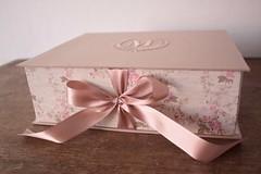 Caixas Sofisticadas para o Batizado da Manuela (Mimos Art - Para mamães e noivas) Tags: lembrancinhapadrinhos lembrancinhaavós lembrancinhaluxuosa lembrancinhasofisticadas lembrancinhasmaternidade caixasbordadas caixasminichandon bebê menina rosé