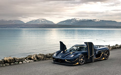 Lakeside. (Alex Penfold) Tags: koenigsegg naraya rs agera supercars supercar super car cars autos alex penfold 2017 blue carbon geneva switzerland gold