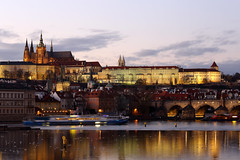 Prague, Czech Republic. (廖法蘭克) Tags: czechrepublic cz czech prague canon 6d vacation friends frank photographer photography photograph weekend cold christmas trip relax 捷克 布拉格 聖誕節 charlesbridge charles bridge 查理大橋 metropolitancathedralofsaintsvitus church 聖維特主教座堂 sunset canonef70200mmf4lisusm sunny river city rivercity 伏爾塔瓦河 vltava moldau unesco unescoworldheritage historical architecture