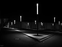 Fackelplatz (-BigM-) Tags: deutschland germany baden württemberg göppingen fils bigm sw bw black white schwarz weiss nacht night licht fackel candle light platz square