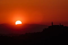 Pienza Sunset (FedeSabba ) Tags: sunset pienza tuscany italy sun red