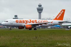 easyJet Airbus A320-214  |  G-EZUT  |  Amsterdam Schiphol - EHAM (Melvin Debono) Tags: easyjet airbus a320214 | gezut amsterdam schiphol eham melvin debono spotting canon 7d 600d airport airplane aviation aircraft airways plane planes