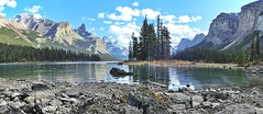 Spirit Island - Maligne Lake, Jasper National Park, Alberta, CA (André-DD) Tags: cans2s canada kanada urlaub vacation malignelake lake see spiritisland berge mountains berg mountain wasser water island insel alberta natur nature panorama outdoor jaspernationalpark nationalpark jasper landscape