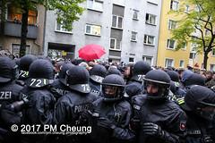 Revolutionäre 1. Mai Demonstration - 30 Jahre revolutionärer 1. Mai! – 01.05.2017 – Berlin - IMG_9249 (PM Cheung) Tags: berlin antifa revolutionäre1maidemonstration 01052017 kreuzberg neukölln 1maidemo pmcheung polizei schwarzerblock ausschreitungen 2017 mengcheungpo protest linksradikale demonstration g20 g20hamburg zwangsräumungen verdrängung autonome revolutionäre1maidemo2017 krawalle gentrifizierung flüchtlinge kapitalismus pomengcheung herauszumrevolutionären1mai2017 spreewaldplatz erdogan hayir antikapitalismus organize selbstorganisiertgegenrassismusundsozialeausgrenzung rassismus sozialeausgrenzung walpurgisnacht mieterprotest myfest friedel54 1mai2017 facebookcompmcheungphotography demo stadtumstrukturierung selbstorganisation b0105