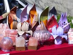 Candelieri e candele (sergiofumich) Tags: candelieri candele bancarella mercato ambulante fiera