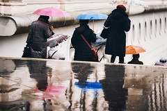 rain visions (desomnis) Tags: rain vienna canoneos6d 6d canon135mm canonef135mmf2 streetphotography streetcandid streetlife urbanphotography urban raining wien austria österreich 135mm desmonis umbrellas colors colours colorful colourful