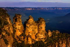 Our Golden Girls (jenni 101 - on/off for a while.) Tags: sunset australia 3sisters bluemountains nsw katoomba