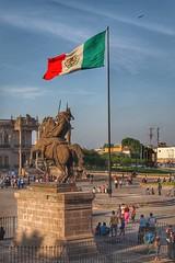Explanada de Los Héroes. Monterrey, Mexico. (juanvillano) Tags: bandera mexico
