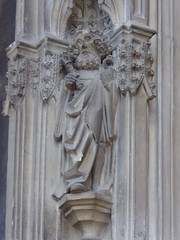 St Edward the Confessor (Aidan McRae Thomson) Tags: worcester cathedral worcestershire medieval carving statue sculpture
