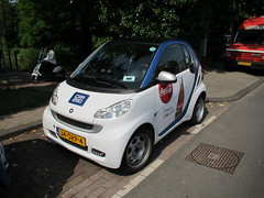 Amsterdam Auto kleintje-cola (Arthur-A) Tags: auto netherlands car amsterdam electric cola nederland voiture cocacola
