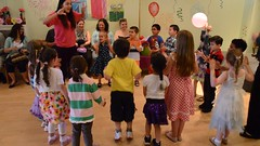 Chicken Dance (Joe Shlabotnik) Tags: video dancing chickendance 2013 nikond7000 may2013