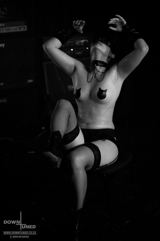 Black metal naked girls pics