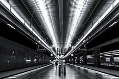 Spr 4 Malm Centralstation (Mabry Campbell) Tags: light blackandwhite bw lines station photography photo skne europe fav50 sweden interior perspective tracks fav20 f45 photograph trainstation 400 sverige 24mm february curve scandinavia toned fav30 malm ef2470mmf28lusm centralstation 2012 selenium curving leadinglines fav10 spr fav100 fav40 fav60 fav90 fav80 fav70 sec mabrycampbell february242012 201202241905