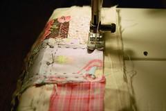 pincushion 20 (Studio Paars) Tags: hand needlework stitch squares handmade embroidery buttons sewing machine fabric stitching pincushion scraps patchwork embroidered tutorial herringbone hgk borduren hetgroenekamertje hgkhandmade