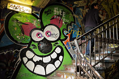 Smile - Tacheles - Berlin (PascalBo) Tags: people man berlin stairs germany painting graffiti nikon europe capital peinture stairway staircase capitale allemagne escalier tacheles homme d300 pascalboegli