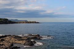 Un paratge on s'atura el temps (Albert T M) Tags: azul catalonia catalunya blau costabrava nuvols portdelaselva camideronda catalogne empordà mediterrani llançà llança camíderonda