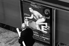 (Sonia Montes) Tags: madrid blackandwhite bw black byn blancoynegro canon gente metro urbana estacin cartel