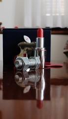 Bullone e Pupa (Ro_.) Tags: macro joke bolt lipstick scherzo rossetto bullone fujifilmx20