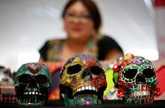 Calaveras vidriadas (In Explore) (José Lira) Tags: calaveras vidrio tradiciones cultura méxico cdmx inmujeres canon eos 6d