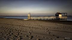 Solarium (*Alphotos) Tags: alphotos playa solarium mar manga atardecer puestadesol caseta pescador baño