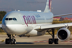 A7-ACF / Qatar Airways / Airbus A330-202 / Barcelona (BCN/LEBL) / 18-03-2017 (ManuelDelAmo) Tags: a7acf qatarairways airbus a330202 a332 a330 qtr138 aviation civilaviation commercialaviation aircraft airplane plane heavy widebody taxiing departure takeoff runway 25l closeup photography aviationphotography spotting planespotting jetphotos wwwjetphotosnet barcelona bcn lebl elprat elpratdellobregat manueldelamo