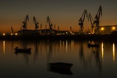 Industrial sunset (The Ant Photos) Tags: boats sunset industry industrial travel spain galicia light lights longexposition sea ocean water reflections sky skyline shadow city architecture landscape nature golden