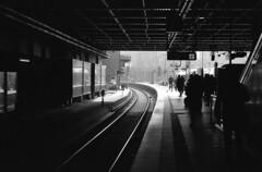 Hamburg (XE-HRO) Tags: street nikon f100 fomapan 200 xtol dark tracks central station