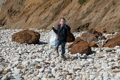 Isle of Wight Beach Clean at Compton Bay - DSCF2163 (s0ulsurfing) Tags: s0ulsurfing 2017 march isle wight beachclean pollution coast compton beach rubbish