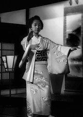 Sayoko Dances (Rekishi no Tabi) Tags: sayako gion gionkobu geiko kyoto japan sony monochrome